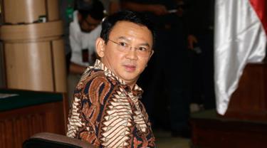 20161213-Ahok Jalani Sidang Perdana-Jakarta