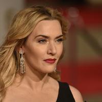 """Kate Winslet. Bagi aktris pemeran film 'Titanic' ini, operasi plastik tidak pantas untuk seorang aktor. """"Akting adalah tentang menjadi nyata dan jujur."""" ungkap Kate Winslet. (AFP/Bintang.com)"""