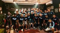 Persela Lamongan mendapat jamuan dari LA Mania di Samarinda, Rabu (11/3/2020). (Bola.com/Gatot Susetyo)