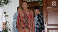 Mantan Ketua MK, Mahfud MD bersama para tokoh Gerakan Suluh Kebangsaan bersiap memberi keterangan usai melakukan pertemuan dengan Presiden RI kelima, Megawati Soekarnoputri di Jakarta, Jumat (17/5/2019). Pertemuan berlangsung tertutup. (Liputan6.com/Helmi Fithriansyah)