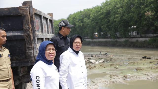 Wali Kota Surabaya Risma