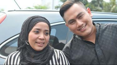 Butuh waktu berbulan-bulan bagi Muzdhalifah untuk mengambil keputusan itu, setelah hampir 1 tahun bersitegang dengan sang suami.