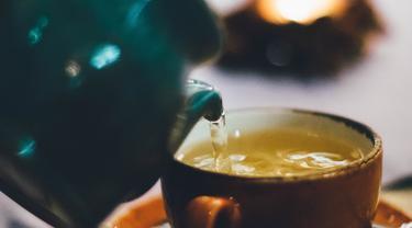 ilustrasi teh hijau penghilang dehidrasi saat puasa/pexels