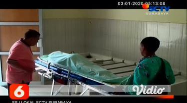 Pastor Robertus Stigter (81) asal Kota Bandung, Jawa Barat tewas tenggelam di Wisata Bahari Pasir Putih, Kecamatan Bungatan Situbondo, Jawa Timur, Kamis (2/1/2020). Korban diduga sakit saat berenang di laut.