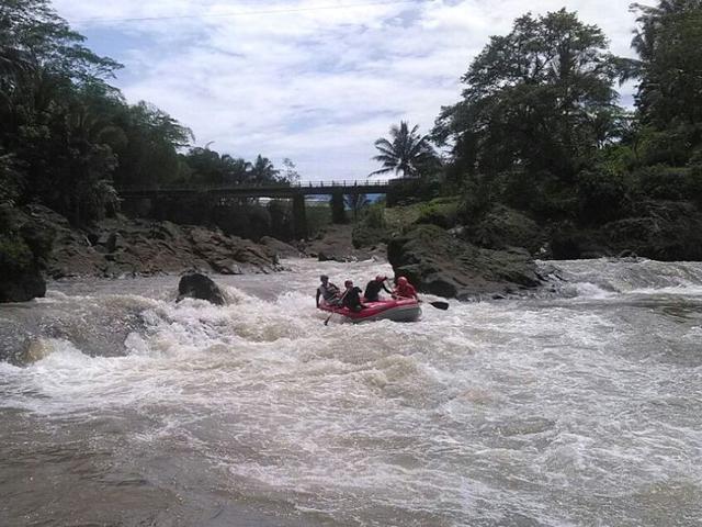 Perahu Rafting Terbalik Dihempas Jeram 2 Orang Tewas Regional Liputan6 Com