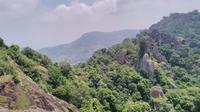 Gunung Api Purba Nglanggeran, Gunungkidul, Yogyakarta. (dok. Instagram @carraalkindi/https://www.instagram.com/p/BqI0hPEn0vW/?utm_source=ig_web_copy_link/Asnida Riani)