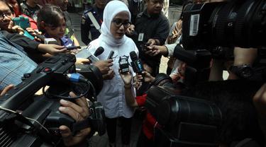 Selasa (21/10/14), Bupati Lebak Iti Octavia Jayabaya menjalani pemeriksaan penyidik KPK, Jakarta. (Liputan6.com/Panji Diksana)