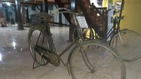 Sepeda Ontel Pasukan Rimba masih tersimpan dengan apik di Museum Purbakala Popa – Eyato, Gorontalo. (Liputan6.com/ Arfandi Ibrahim)