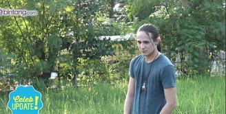 Dylan Carr berperan jadi Rimba di sinetron Anak Langit yang dikenal sangat jahat. Ternyata ada dampak yang Dylan dapatkan di kehidupan nyatanya.