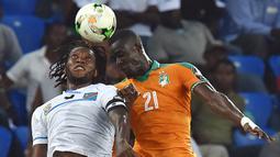 Eric Bailly. Bek tengah Pantai Gading berusia 27 tahun ini total telah memperkuat Les Elephants sebanyak 38 laga sejak 2015 dengan torehan 2 gol. Total telah 5 musim berseragam Manchester United sejak 2016/2017. (Foto: AFP/Issouf Sanogo)