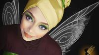 Saraswati me-kreasikan hijab dan mengubah dirinya menjadi karakter putri Disney.