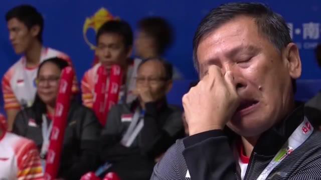 Berita video highlights pertandingan antara Anthony Sinisuka Ginting menghadapi Kento Momota dalam turnamen Piala Sudirman 2019.