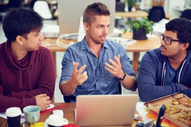 Meski Gaji Kecil, Ini 6 Alasan Buat Bekerja di Perusahaan Startup | via: usnews.com