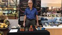 Ayah Ashraf Sinclar, Mohamed Anthony John Sinclair memiliki bisnis marmalade. (dok. Instagram @ashrafsinclair/https://www.instagram.com/p/B2I64uOnEvS/Putu Elmira)