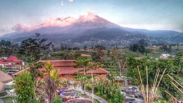 6 Wisata Tawangmangu Suguhkan Panorama Pegunungan Yang