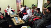 Pertemuan antara Pengasuh Ponpes  Miftahul Huda, Tasikmalaya dengan Manajemen Indomart, usai insiden tudingan santri mencuri. (Foto: Liputan6.com/Jayadi Supriyadin)