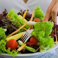 Diet, sering kali dikaitkan dengan menurunkan berat badan. Tapi, diet yang satu ini juga bisa buat kamu awet muda.