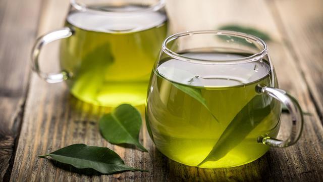 Hasil gambar untuk minum teh hijau