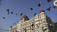 Taj Mahal Palace Hotel yang menjadi lokasi serangan teroris Mumbai pada 26 November 2008 (AP/Rafiq Maqbool)