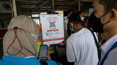 Banner Infografis Siap-Siap Masuk Pasar Rakyat dengan Aplikasi PeduliLindungi. (Liputan6.com/Trieyasni)