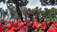 Demo buruh di Balai Kota DKI Jakarta (Liputan6.com/ Ika Defianti)