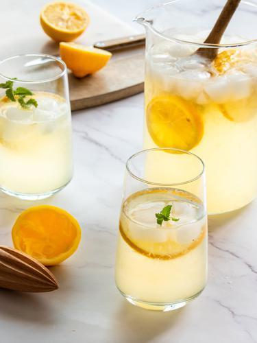 Ilustrasi es limun santan