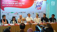 Tokoh pengusaha nasional, Sofjan Wanandi memberikan keterangan program Klingking Fun bertajuk Pesta Diskon Anti Golput di Jakarta, Senin (15/4). KlingKing Fun memberikan diskon khusus untuk warga pemilih yang berpartisipasi mencoblos di TPS seIndonesia pada 17 April 2019. (Liputan6.com/Angga Yuniar)