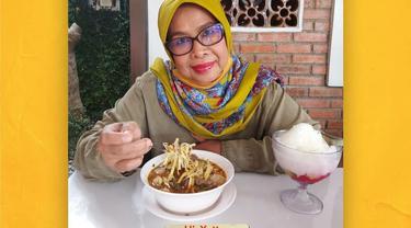 Haji Yetty sukses membuka rumah makan sate maranggi Cibungur di ruas jalan utama Purwakarta-Cikampek.
