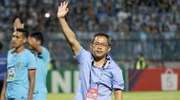 Pelatih Persela Lamongan, Aji Santoso, memutuskan mundur dari posisinya setelah merasa gagal mempersembahkan kemenangan dalam lima laga pertama Persela di Liga 1 2019. (Bola.com/Aditya Wany)