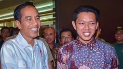 Presiden Joko Widodo menonton film Yowis Ben di Malang. Bayu Skak juga berkesempatan bertemu dengan orang nomor satu di Indonesia ini. (Liputan6.com/IG/@moektito)