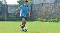 Striker Persita Tangerang, Samsul Arif Munip. (Bola.com/Iwan Setiawan)