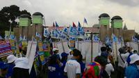Sebanyak 20 perwakilan buruh akan bertemu langsung dengan Dede Yusuf. (Ahmad Romadoni/Liputan6.com)