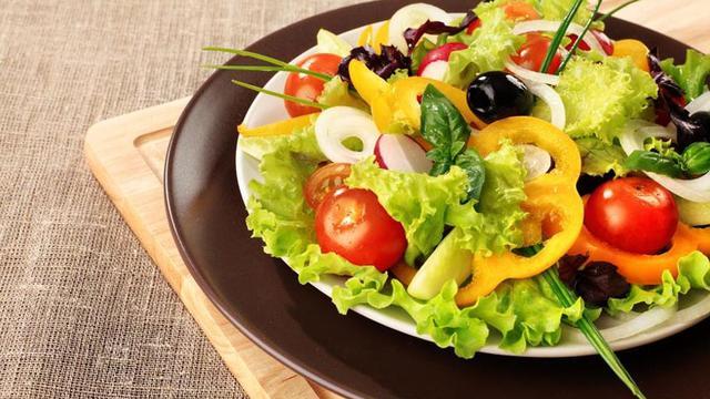 Cara Membuat Salad Buah Sendiri Yang Segar Enak Dan Mudah