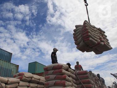 Usai Diterjang Banjir Rob, Aktivitas Bongkar Muat di Pelabuhan Sunda Kelapa Kembali Normal