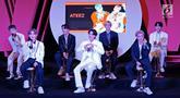 "Boyband Korea Ateez saat menghadiri jumpa pers  ""Smartfren WOW Concert 2019"" di SCTV TOWER, Jakarta, Jumat (20/9/2019). Konser yang bertajuk ""Raih Mimpi Bersama Smartfren"" itu menampilkan sejumlah artis nasional dan internasional seperti Chung Ha, Ateez. (Liputan6.com/Herman Zakharia)"