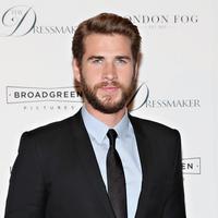 Tahu nggak kalau Liam Hemsworth yang pertama kali ditawari peran Thor? Namun Marvel pun memanggil sang kakak dan Chris ternyata lebih cocok memegang peran tersebut. Kira-kira mereka sempat berantem nggak ya? (CINDY ORD / GETTY IMAGES NORTH AMERICA / AFP)