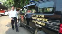 Polisi mendapati jenazah ART di Purwakarta itu masih mengenakan busana lengkap, termasuk menggunakan tampon, saat kuburannya dibongkar. (Liputan6.com/Abramena)