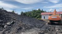 Dinas Lingkungan Hidup dan Kebersihan (DLHK) Kabupaten Berau menyebut tambang batu bara ilegal salah satunya di Jalan Cut Nyak Dien, Kecamatan Teluk Bayur.