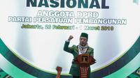 Ketua Umum PPP M. Romahurmuziy  memberikan arahan dalam pembukaan Rapimnas IV dan Workshop Nasional Anggota DPRD PPP di Jakarta, Selasa (26/2). Kegiatan Rapimnas ini diikuti pengurus harian DPP dan 34 DPW seluruh Indonesia. (Liputan6.com/Faizal Fanani)