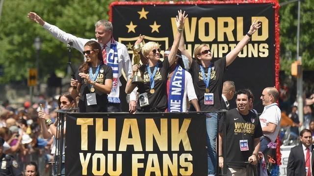 Amerika Serikat berhasil menjadi juara Piala Dunia Wanita 2015 setelah mengalahkan Jepang 5-2. Mereka membalaskan dendam 4 tahun lalu ketika kalah lewat adu penalti saat bertemu Jepang. Kini AS mengoleksi 3 trofi Piala Dunia Wanita.