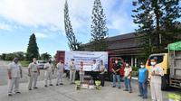 Direksi, Komisaris hingga karyawan PT Pupuk Kaltim mendonasikan Rp 2,2 miliar untuk masyarakat Bontang yang terdampak Covid-19 dalam bentuk paket sembako. (Ist)