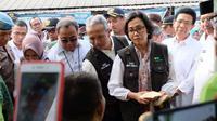 Menteri Keuangan Sri Mulyani Indrawati memantau langsung Program Pembiayaan Ultra Mikro (UMi) di Belawan, Kota Medan, Sumatera Utara, Selasa (16/1/2018). (Reza Efendi/Liputan6.com)