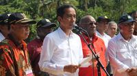 Presiden Jokowi saat kunjungan ke Jayapura, Papua, Sabtu (9/5/2015) . (Liputan6.com/Katharina Janur)