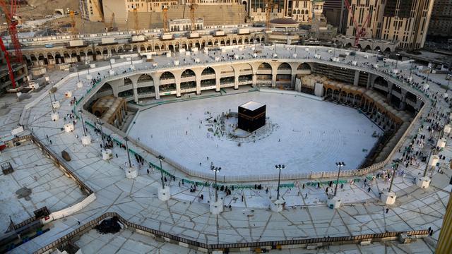 Masjidil Haram Dan Masjid Nabawi Dibuka Kembali Usai Sterilisasi