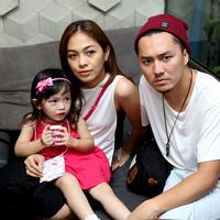 Merasa sudah cukup jaraknya dengan anak pertamanya, pasangan yang menikah sejak 2012 silam ini sedang program anak kedua. (Andy Masela/Bintang.com)