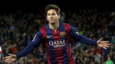 Selebrasi Lionel Messi ketika membuka keunggulan Barcelona saat berhadapan dengan Almeria, di Stadion Camp Nou, Kamis (9/4/2015) dini hari WIB. (REUTERS/Albert Gea)