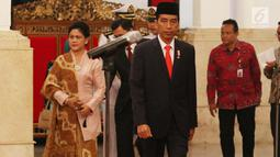 Presiden Joko Widodo bersiap melantik Enam Duta Besar Luar Biasa dan Berkuasa Penuh (LBBP) untuk negara-negara sahabat di Istana Negara, Jakarta, Kamis (18/5). Keenam duta besar ini akan ditempatkan di sejumlah negara. (Liputan6.com/Angga Yuniar)