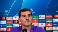Casillas dipastikan absen pada sisa pertandingan musim 2018-19. (AFP/Guido Kirchner)