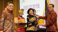 Bank BRI menerima apresiasi melalui ajang penghargaan bertajuk Dealer Utama 2017 yang digelar oleh Kementerian Keuangan RI di Hotel Pullman, Jakarta, Senin (3/12), BRI berhasil memborong tiga penghargaan sekaligus.