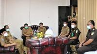 Wakil Wali Kota Bengkulu Dedy Wahyudi mendatangi kantor Kejaksaan negeri untuk bersilaturahmi membangun sinergitas. (Liputan6.com/Yuliardi Hardjo)